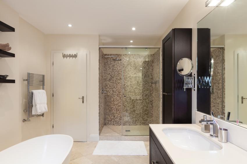 make your small bathroom look bigger barker sons. Black Bedroom Furniture Sets. Home Design Ideas