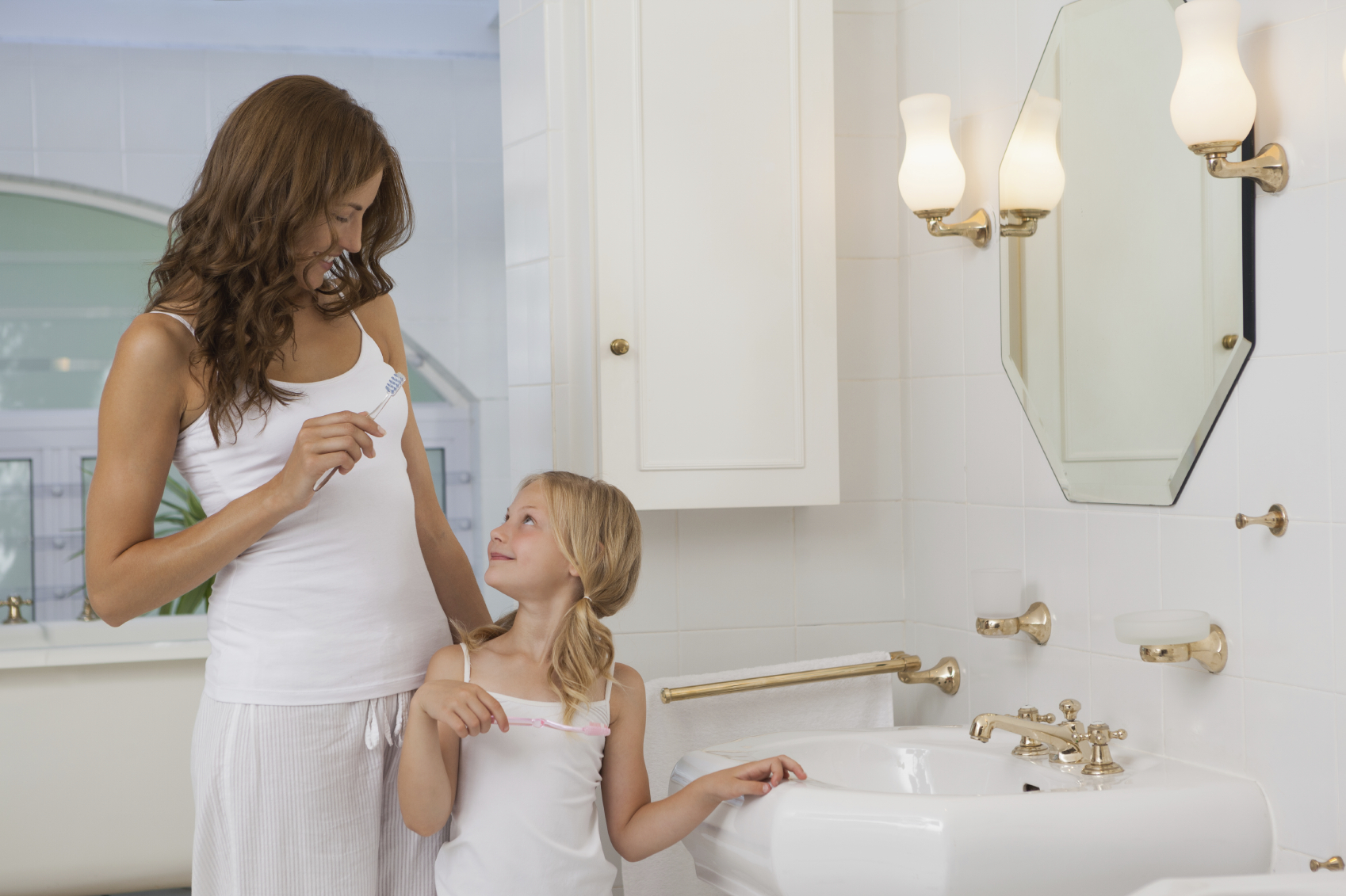Трахает сын маму в ванной фото, в ванной с мамой - порно фото поиск 37 фотография